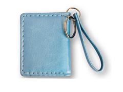Kék színű bõrhatású fényképes kulcstartó, 2 képpel